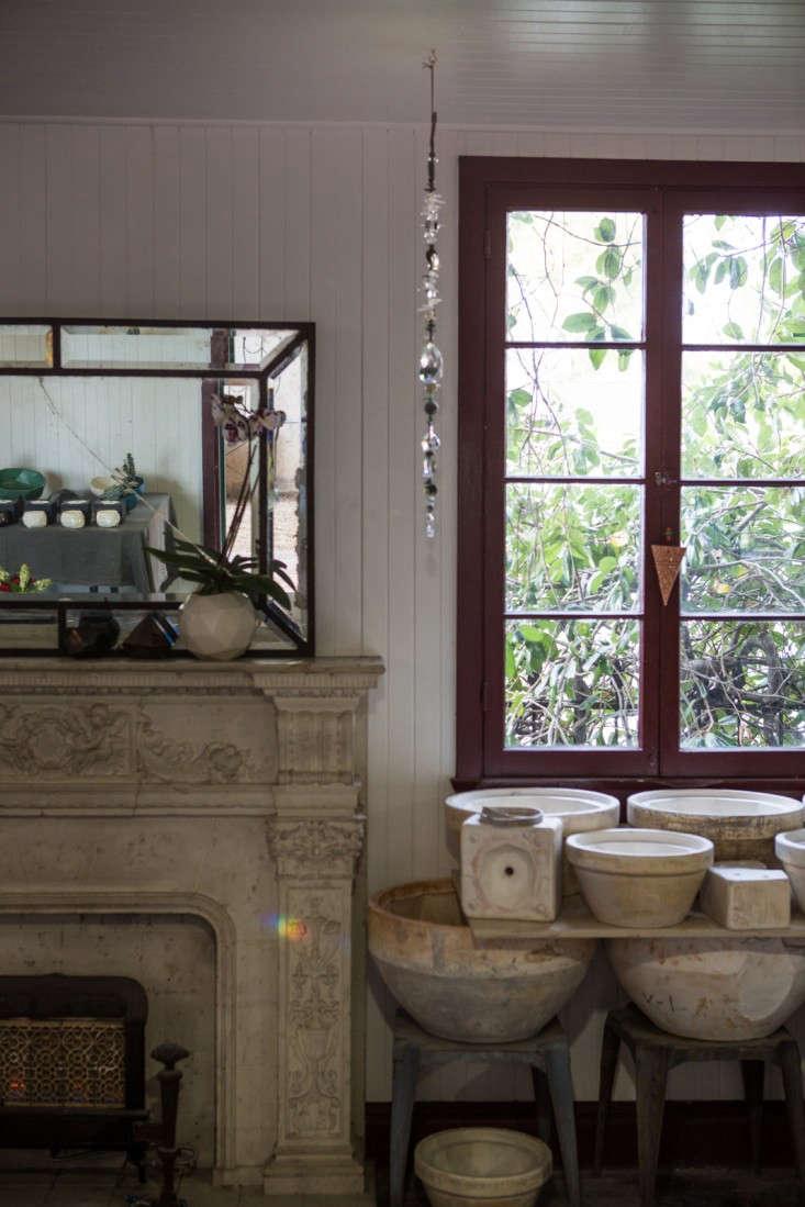 Kelly-Lamb-Studio-LA-ceramic-molds-Ljoliet-Remodelista