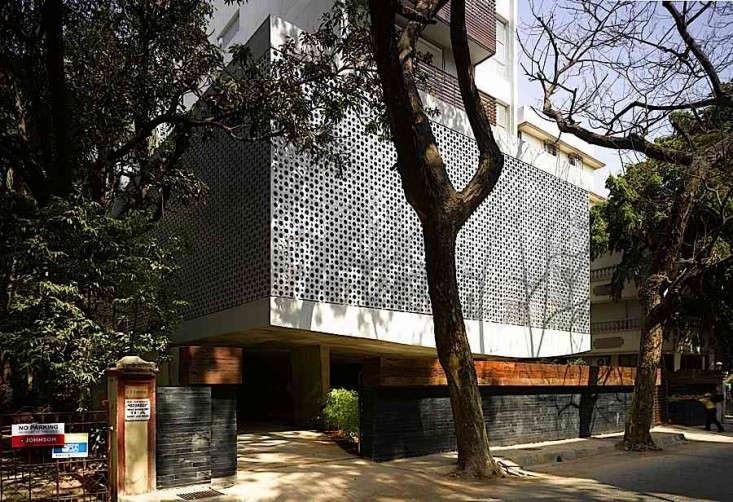 Khanna-Schultz-Mumbai-Apartment-Remodelista-Directory-03