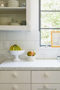 Barbara Bestor kitchen with outsized subway tiles, Remodelista