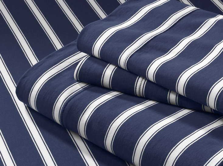 Knit-Stripe-Sheet-Set-in-Dark-Navy-Reverse
