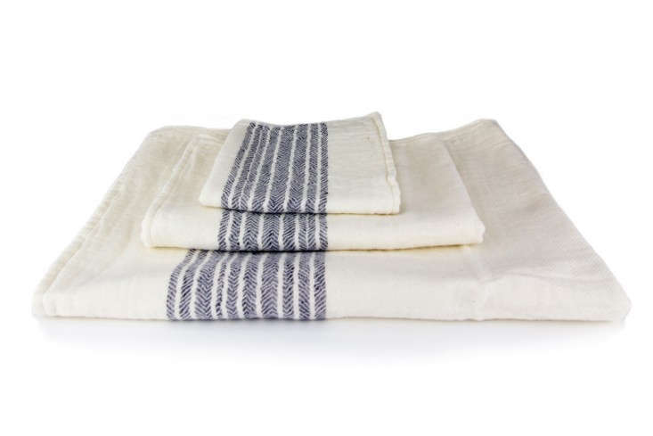 Kontex-Flax-Line-Organics-Towel-3-Rikomu-Remodelista
