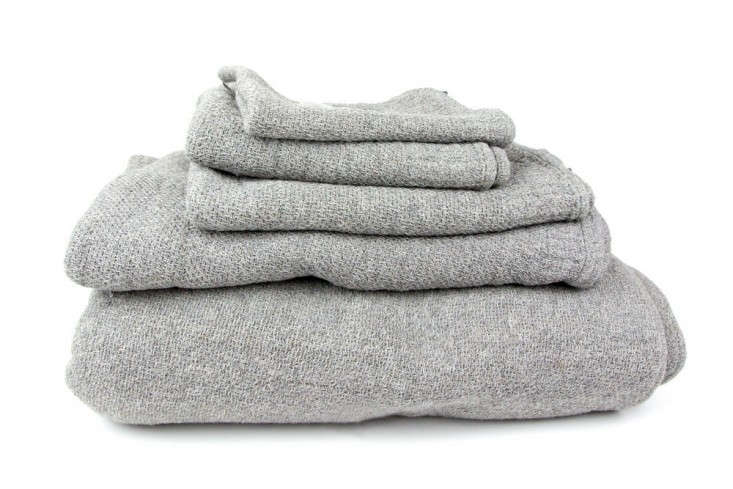 Kontex-Lana-towel-Rikomu-Remodelistajpg