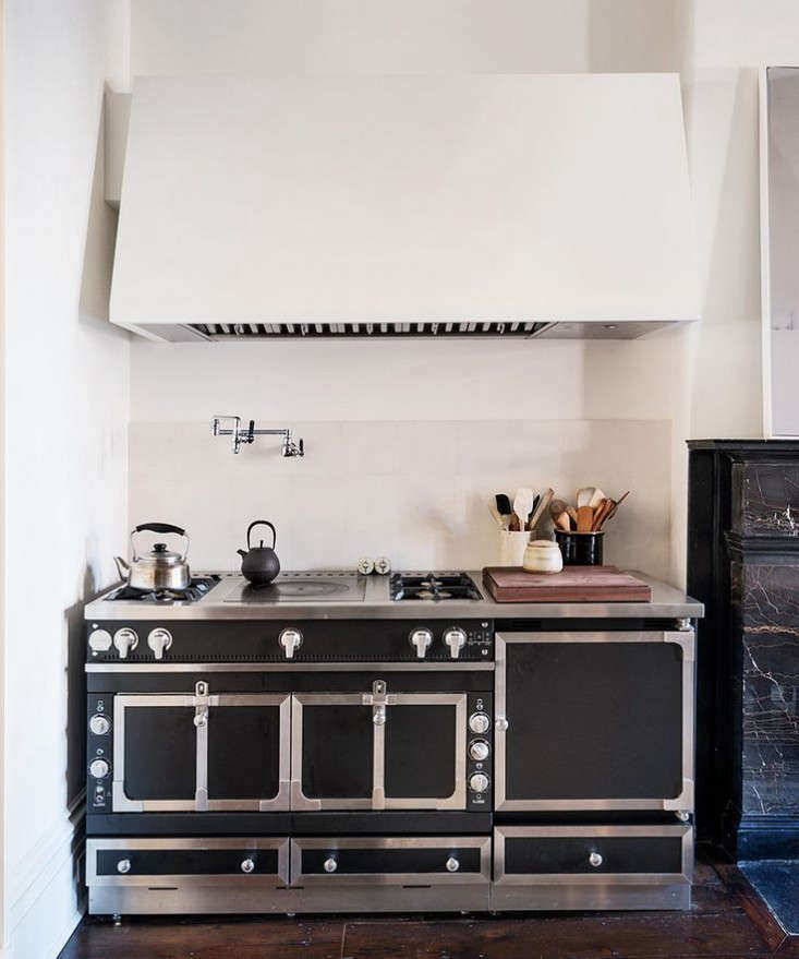 6 Chu00e2teau-Style Cooking Ranges for the Luxe Holiday Kitchen: Remodelista