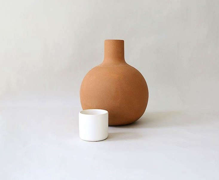 Lagos-del-mundo-pitcher-with-cup-remodelista