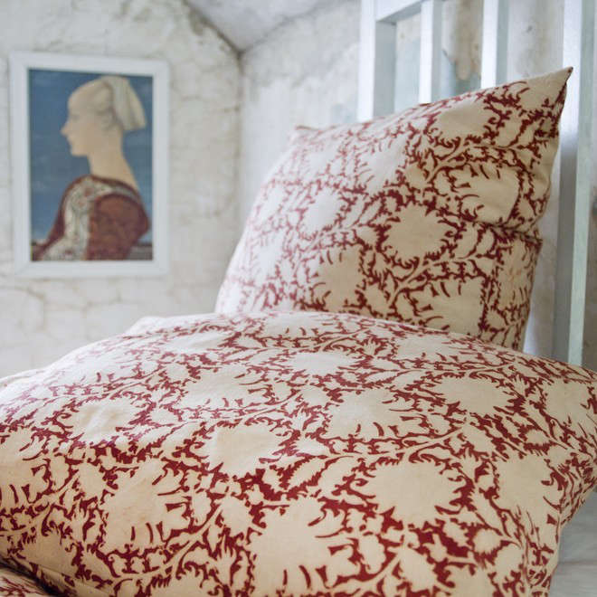 Les-Indiennes-Traditional-Kalamkari-Rebecca-Pillow-Remodelista