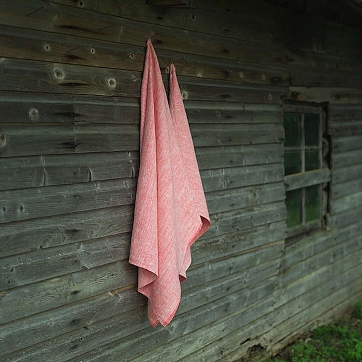 Linen-Me-Chambray-Towels-Red-Remodelista