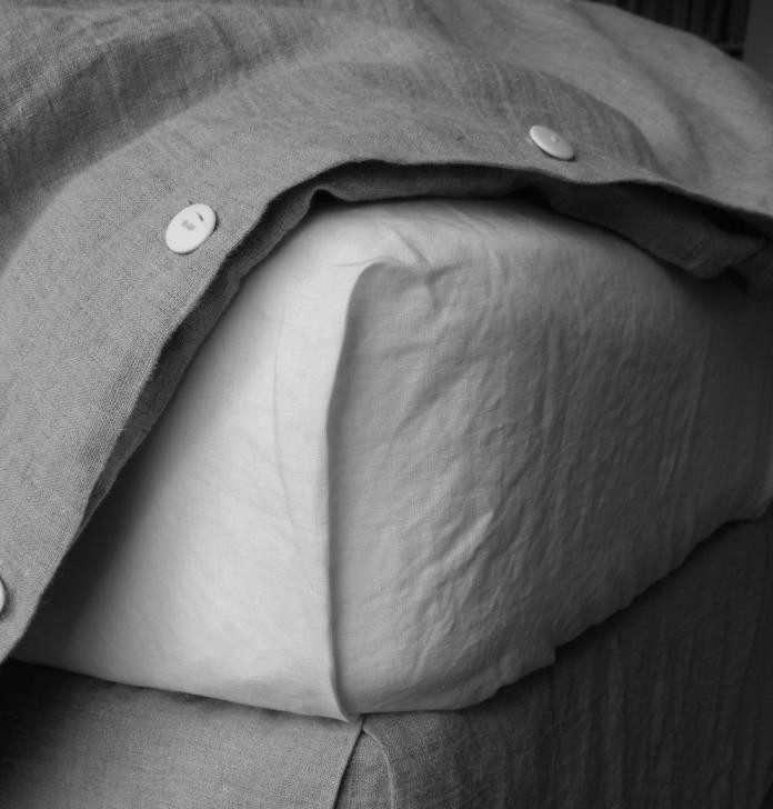Linen-sheet-and-duvet-from-Rough-Linen-Remodelista-1