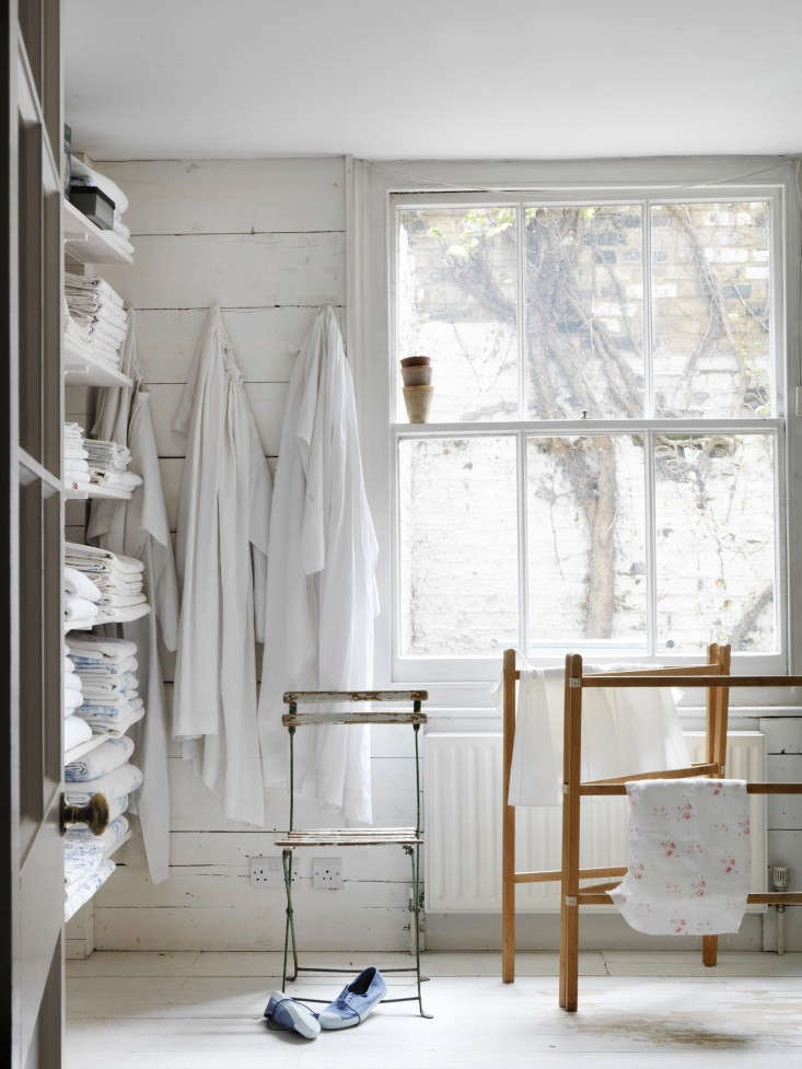 Living-Beautifully-Christina-Strutt-Photographs-by-Simon-Brown-Remodelista-03