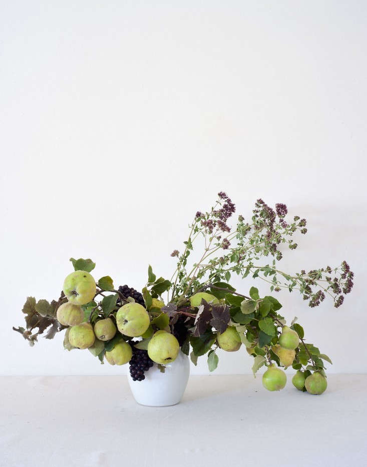 Louesa-Roebuck-quince-and thyme-flower-display