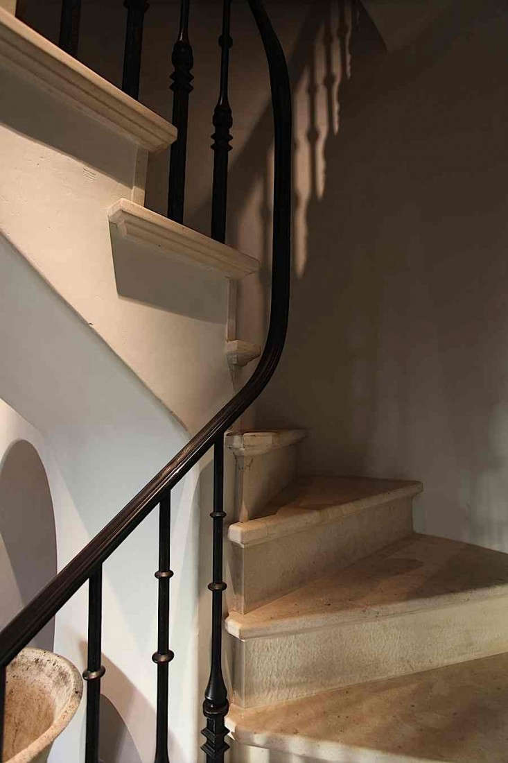 MNA-East-Village-Penthouse-Stair-Detail-Remodelista