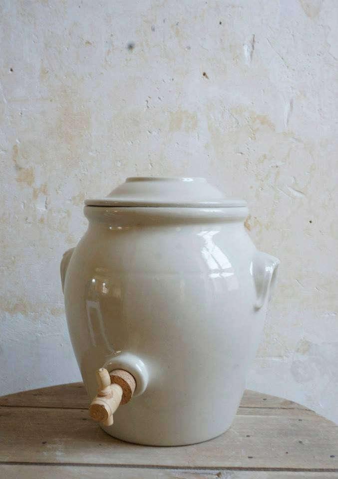 Manufacture-Digoin-vinegar-pot