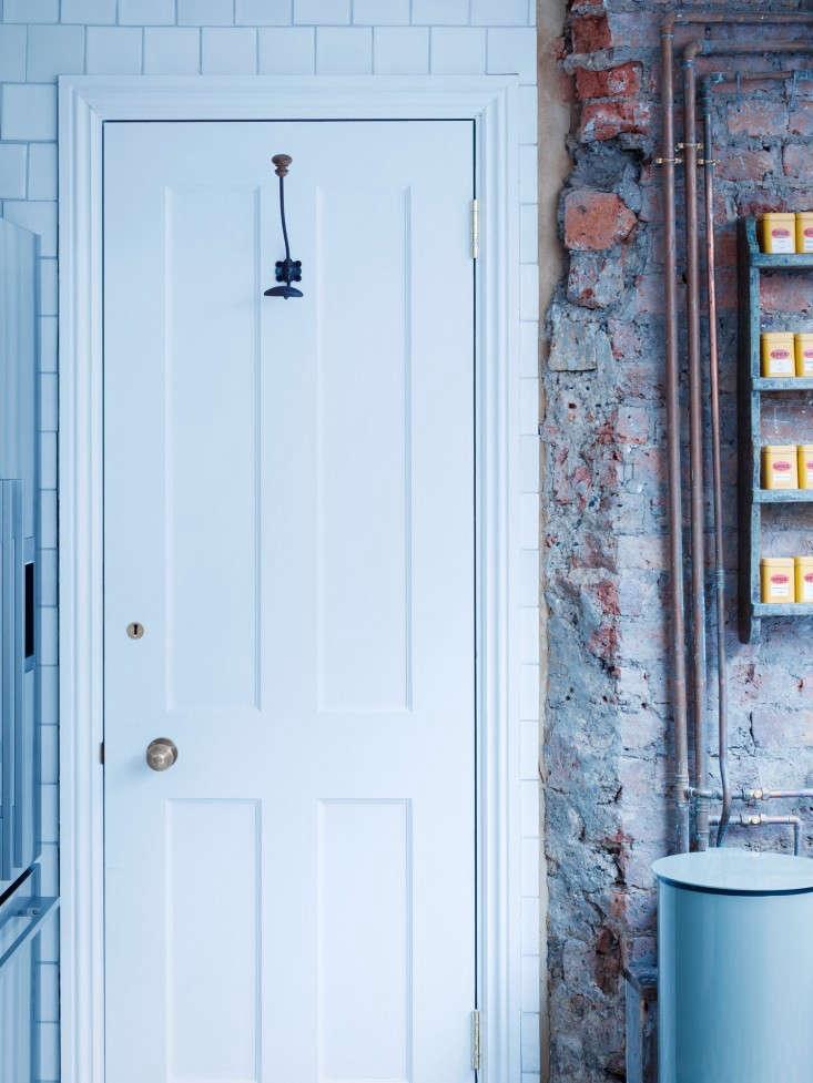 Mark-Lewis-Interiors-London-Photos-Rory-Gardiner-Remodelista-10