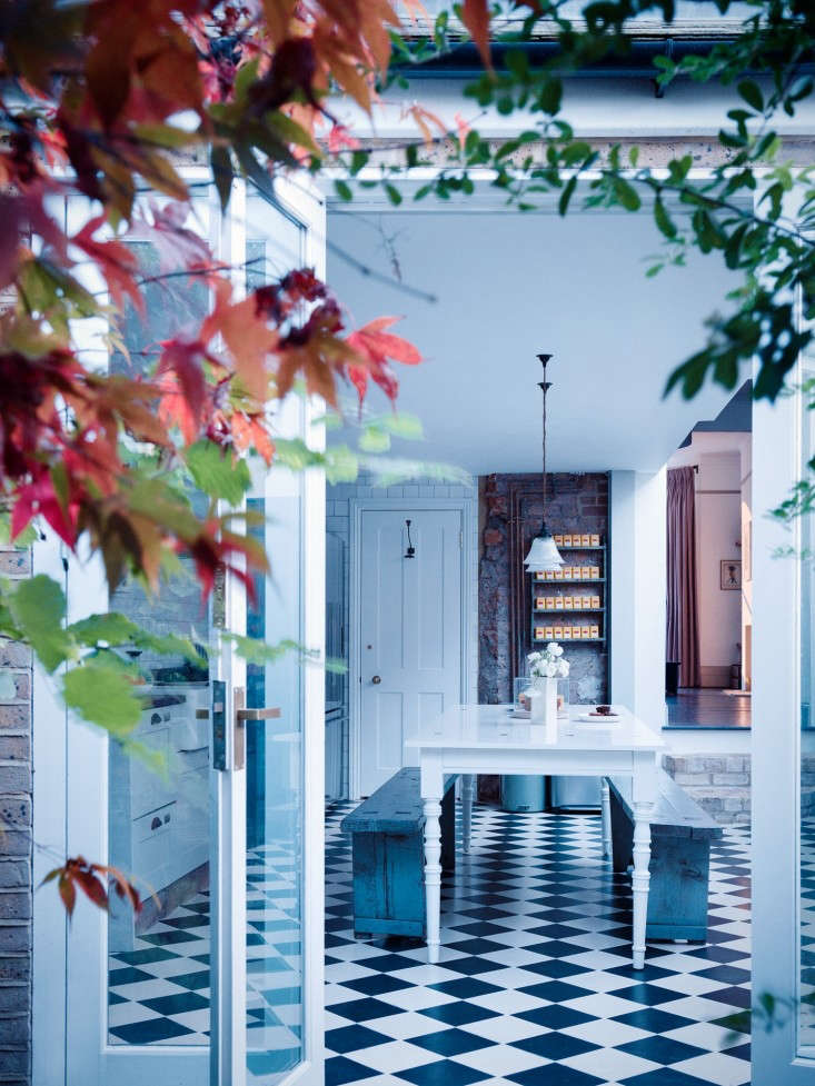 Mark-Lewis-Interiors-London-Photos-Rory-Gardiner-Remodelista-11