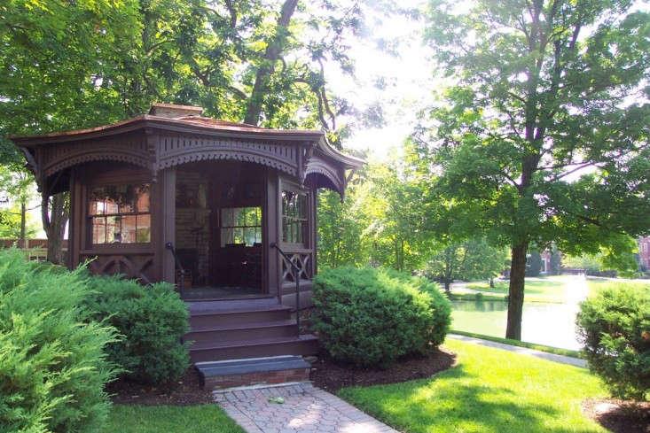 Mark-Twain-writing-hut-Biblioblogaroni-Remodelista