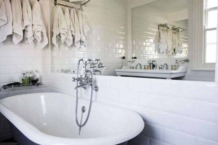 Mat-Collishaw-cast-iron tub-white-subway-tile-bathroom-Camberwell-London-Remodelista