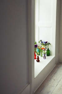London Victorian House, Colored Vasees with Flowers | Remodelista
