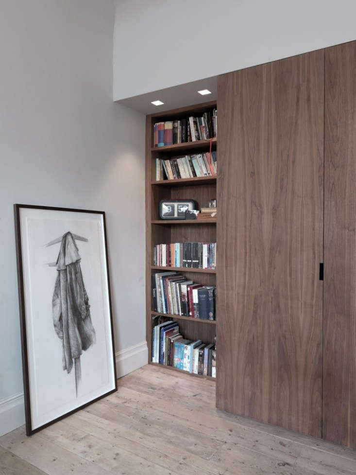 McLaren-Excell-Marylebone-House-Kitchen-Built-In-Shelves-Remodelista