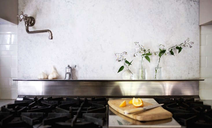 Michelle-stainless-marble-backsplash-remodelista