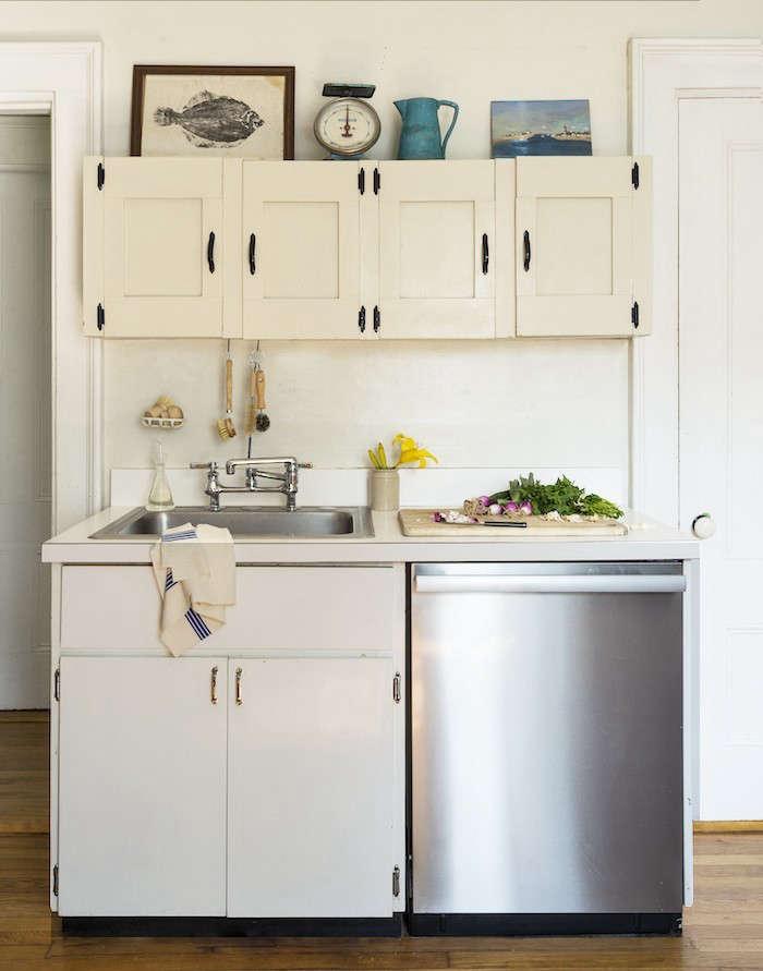 Mini-Kitchen-Makeover-Remodelista-2
