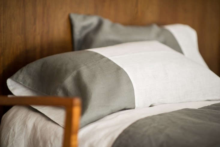 Modern-Plum-Linen-Pillowcase-and-Duvet-via-Remodelista