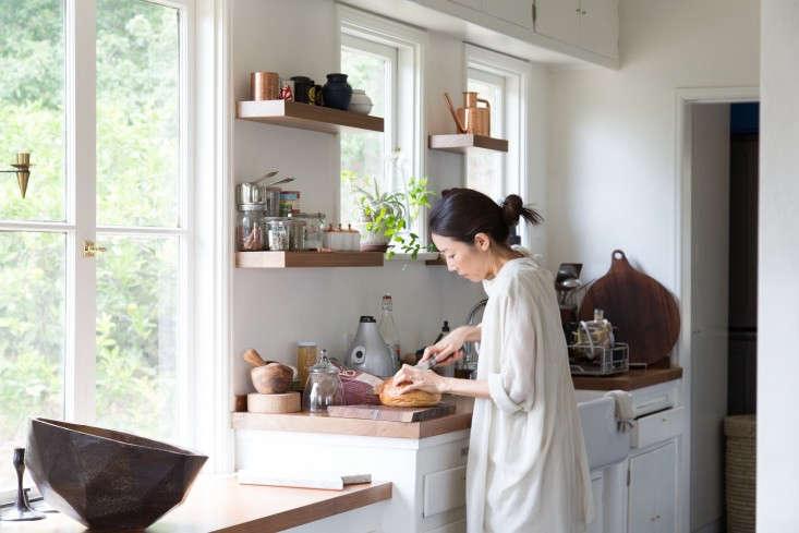 Momo-Suzuki-of-Black-Crane-at-home-in-LA-photograph-by-Kikuko-Usuyama-Remodelista-6