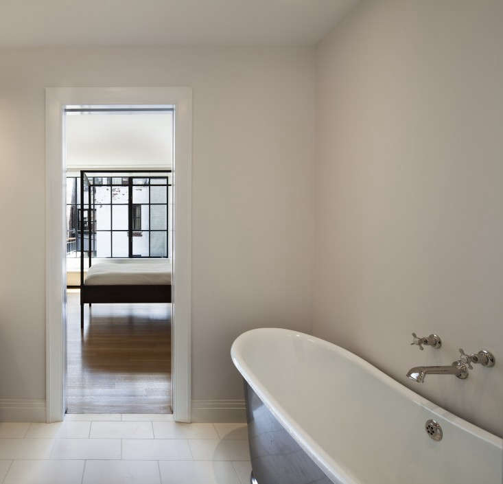 O'neill-Rose-West-Side-Townhouse-bathroom-Remodelista