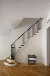 O'neill rose West Side Townhouse, stair hall | Remodelista