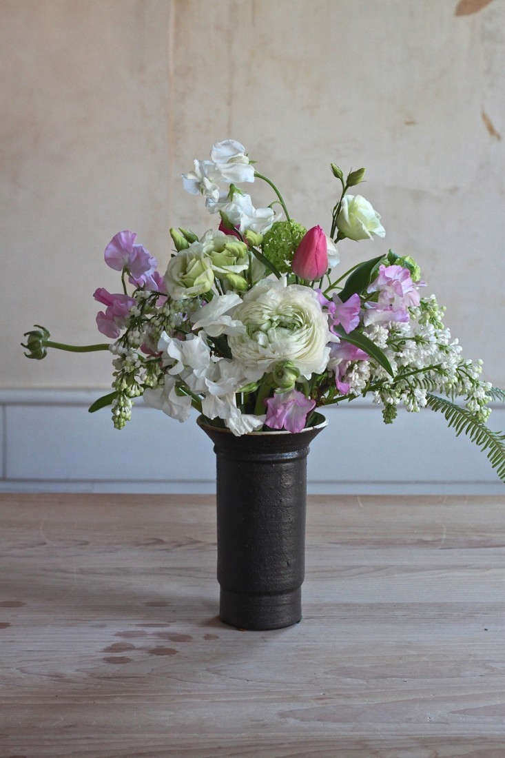 Ode-to-Spring-Bouquet-long-view-Justine-Hand-Gardenista
