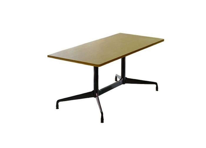 Office-Style-Table-Eames
