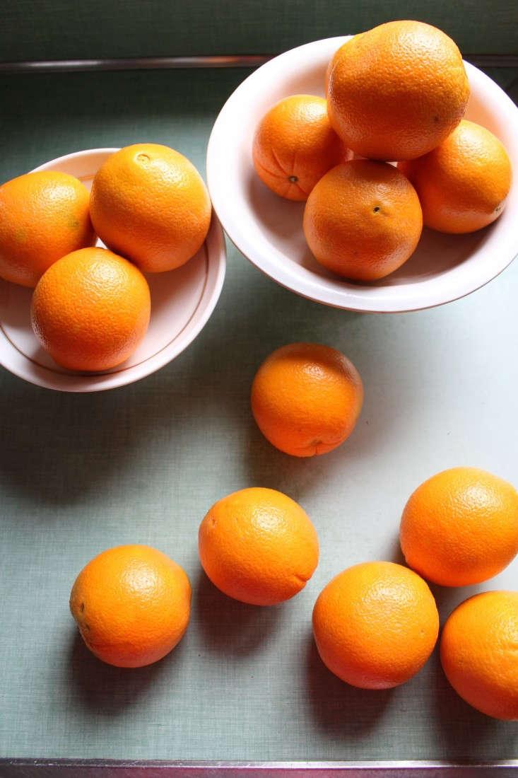 Oranges-for-spiced-wine-Margot-Guralnick-Remodelista