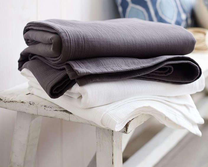 Organic-Plisse-Blanket