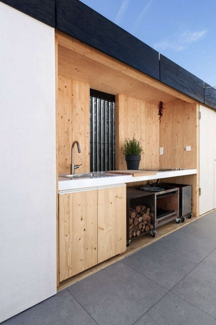Outdoor-Kitchen-in-Budapest-Remodelista