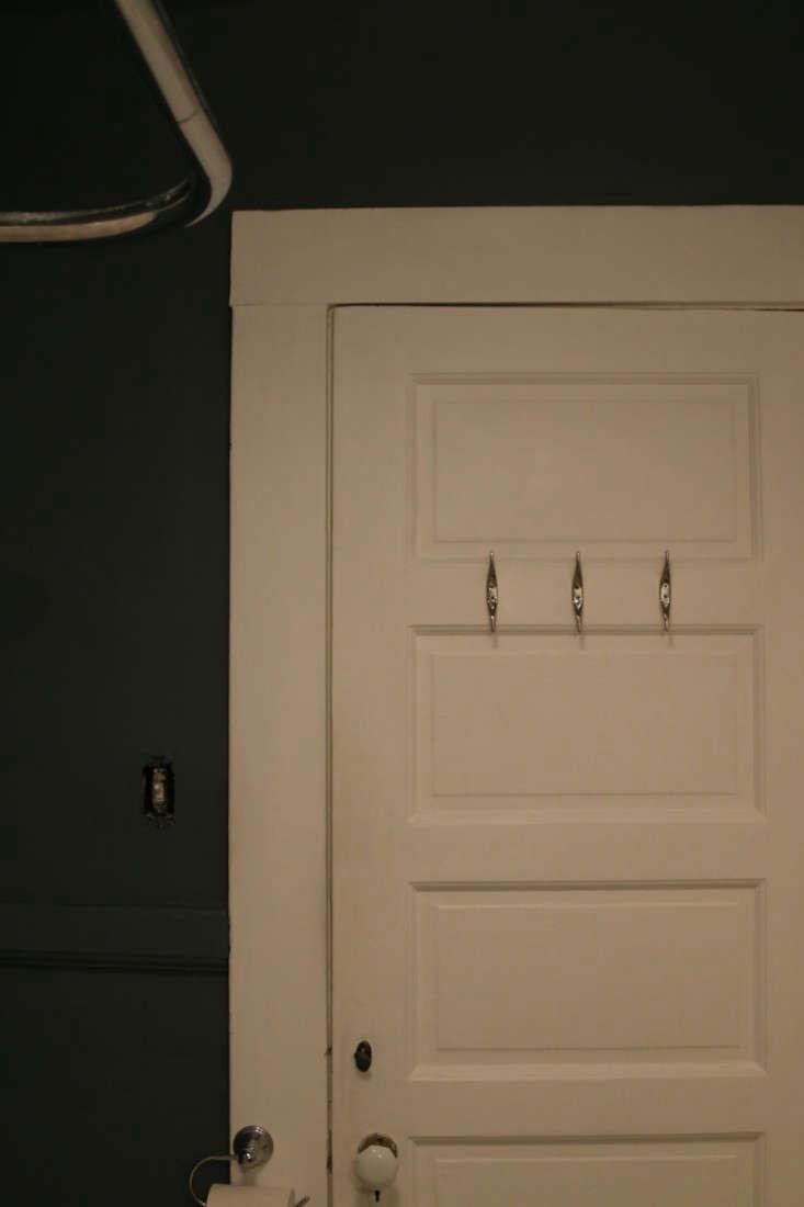 Painting-Bathroom-from-Black-to-White-Meredith-Swinehart-Remodelista-3