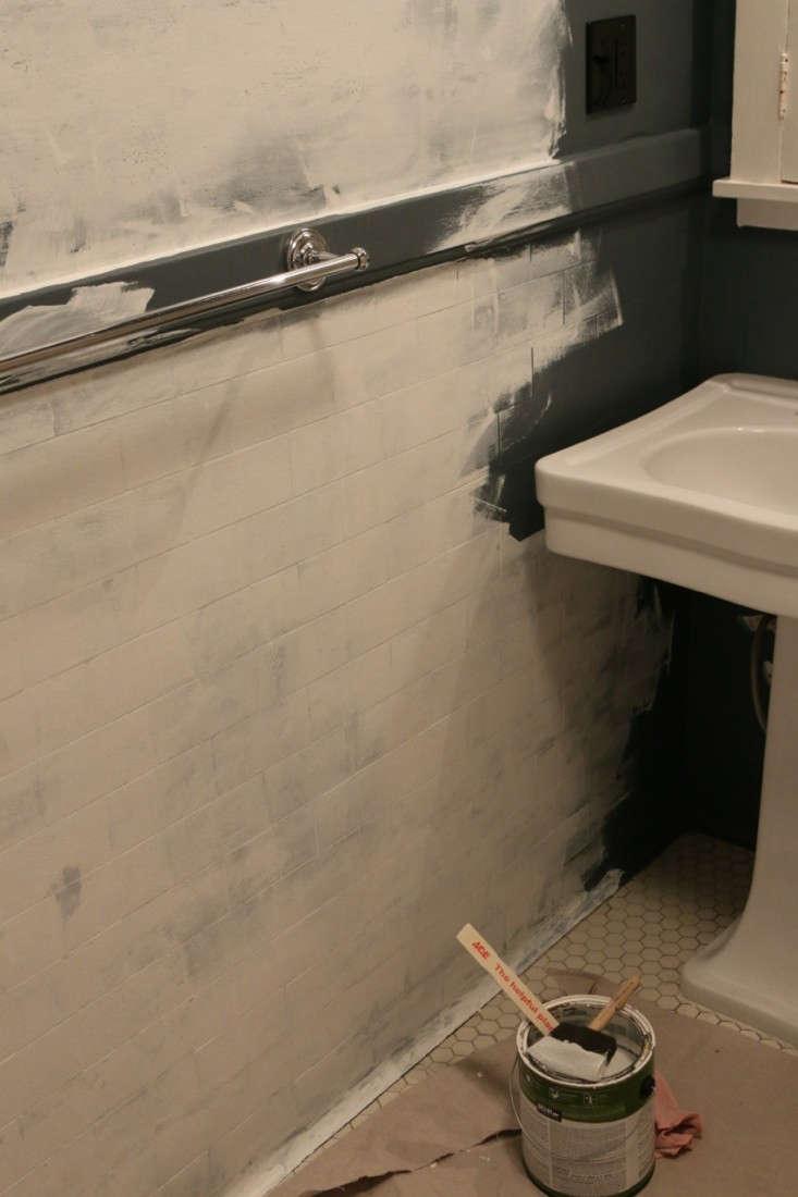 Painting-Bathroom-from-Black-to-White-Meredith-Swinehart-Remodelista-7