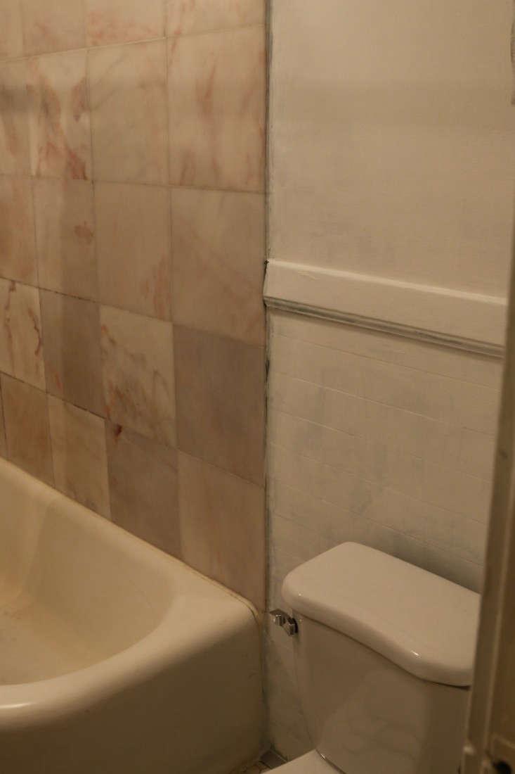 Painting-Bathroom-from-Black-to-White-Meredith-Swinehart-Remodelista-8