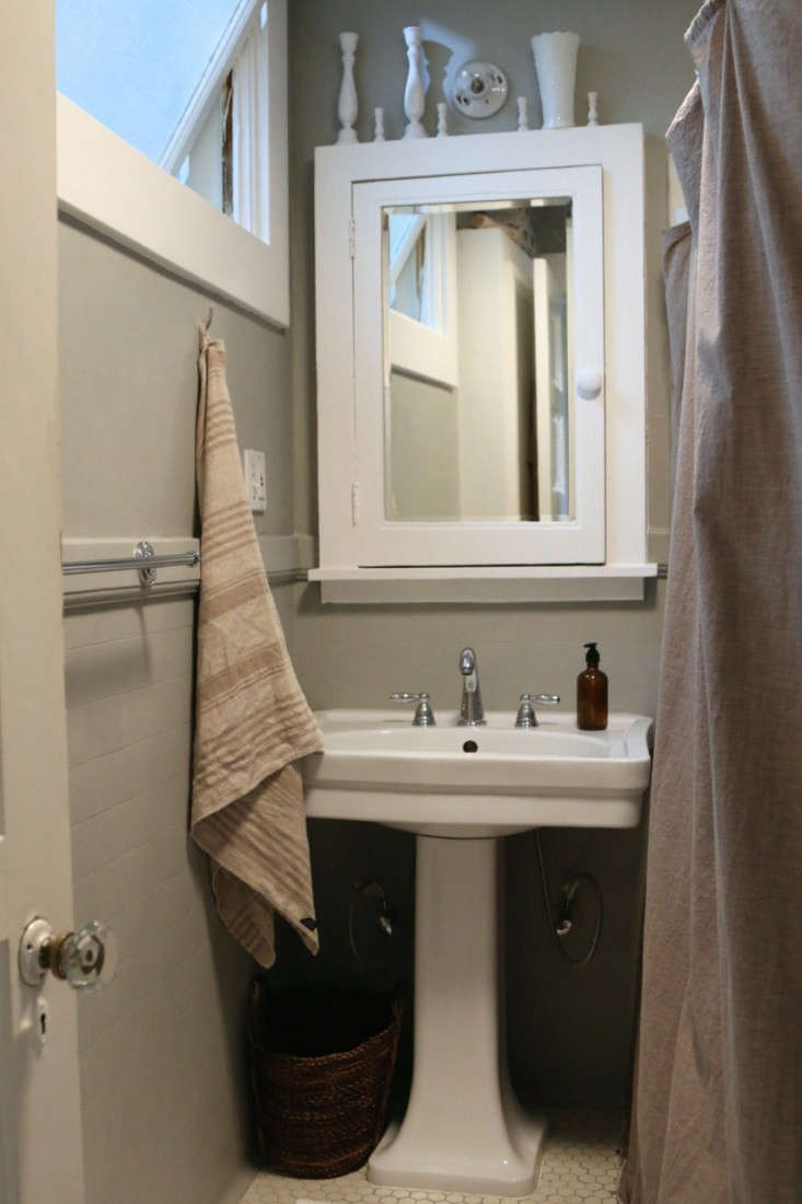 Painting-the-bathroom-gray-meredith-swinehart-3