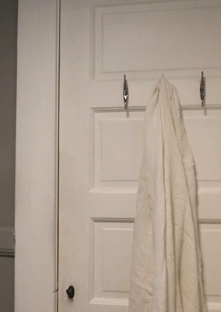 Painting-the-bathroom-gray-meredith-swinehart-5
