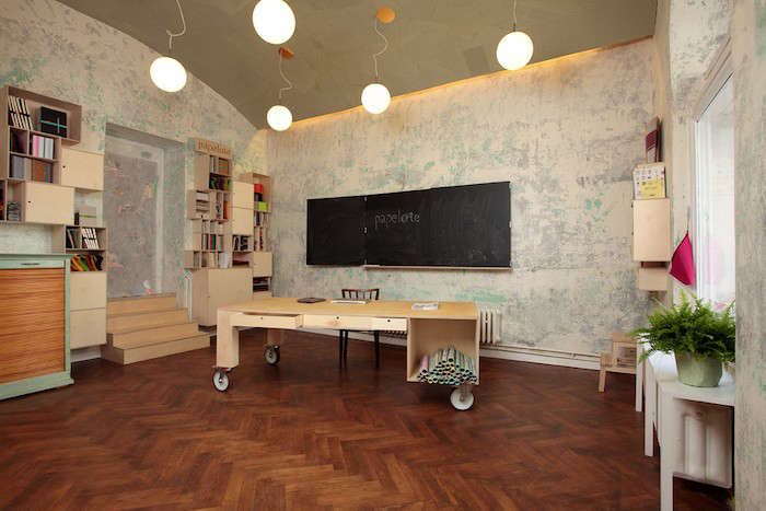 Papelote-Shop-Store-Table-Display-Remodelista-007