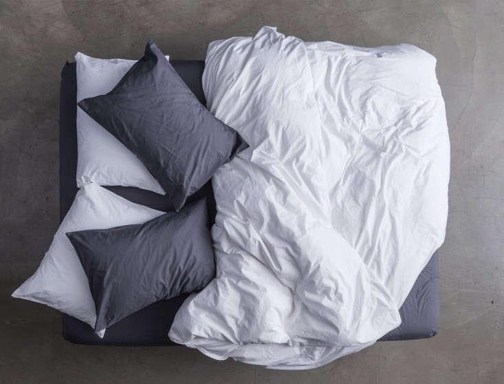Parachute-bedding-slate-white-remodelista