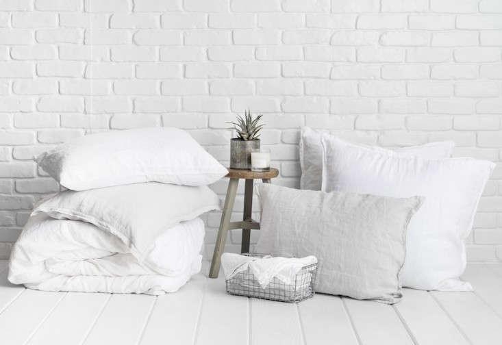 Parachute-linen-bedding-Remodelista-3