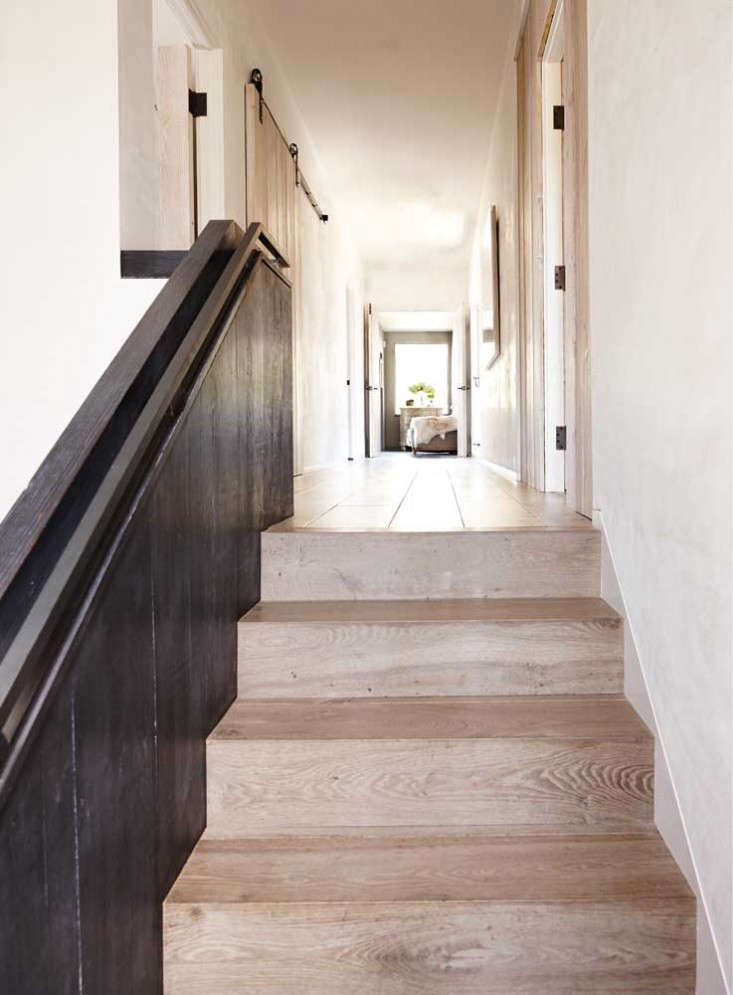 Patricia-Adrian-Hanson-Upstairs-Hall-wood-floors-Remodelista