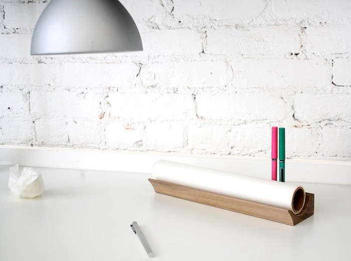 Place-For-Trace-Tracing-Paper-Holder