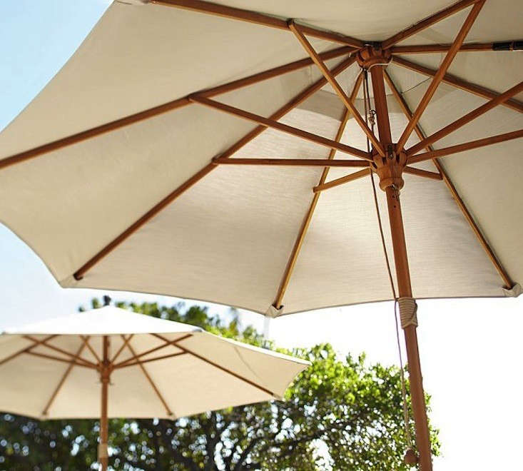 Pottery-Barn-Round-Market-Umbrella-Remodelista