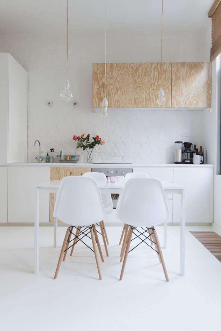 Provincie-apartment-Antwerp-Komaan!-Architects-Lisa-Van-Damme-photographer-Remodelista-2