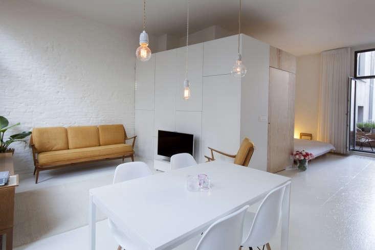 Provincie-apartment-Antwerp-Komaan!-Architects-Lisa-Van-Damme-photographer-Remodelista-4