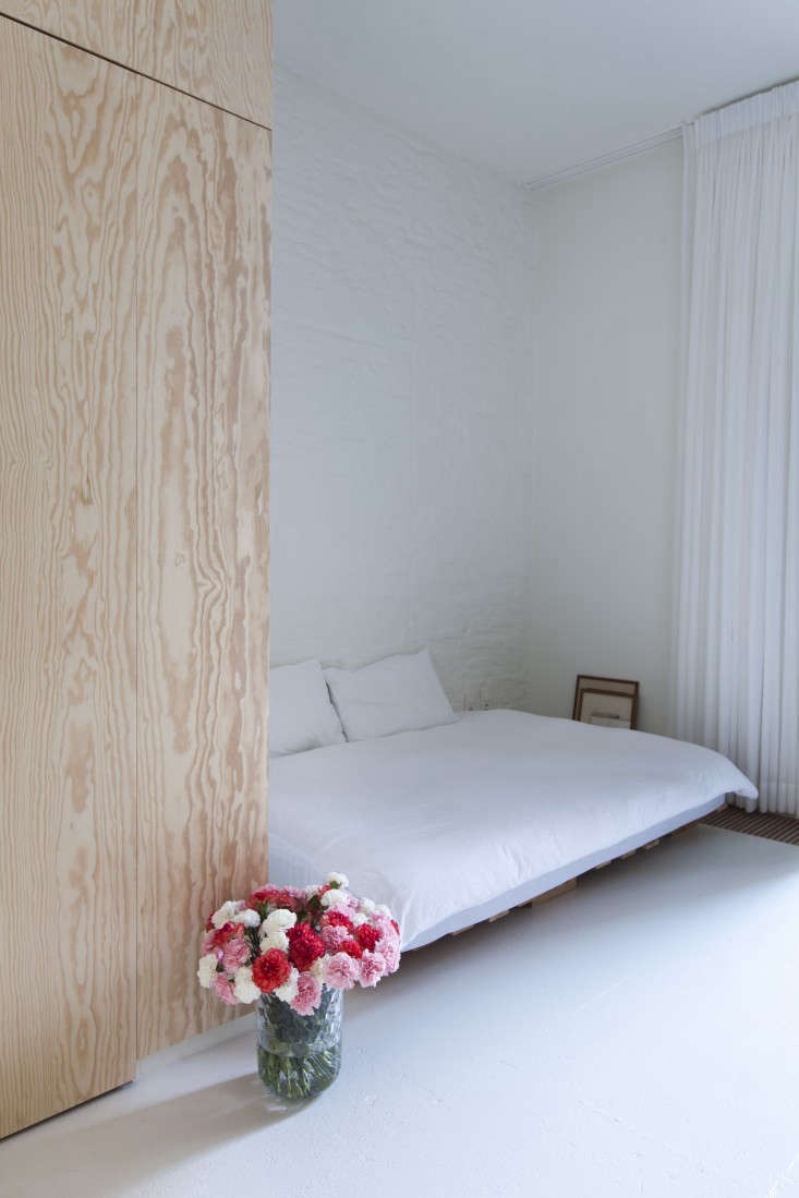 Provincie-apartment-Antwerp-Komaan!-Architects-Lisa-Van-Damme-photographer-Remodelista-5
