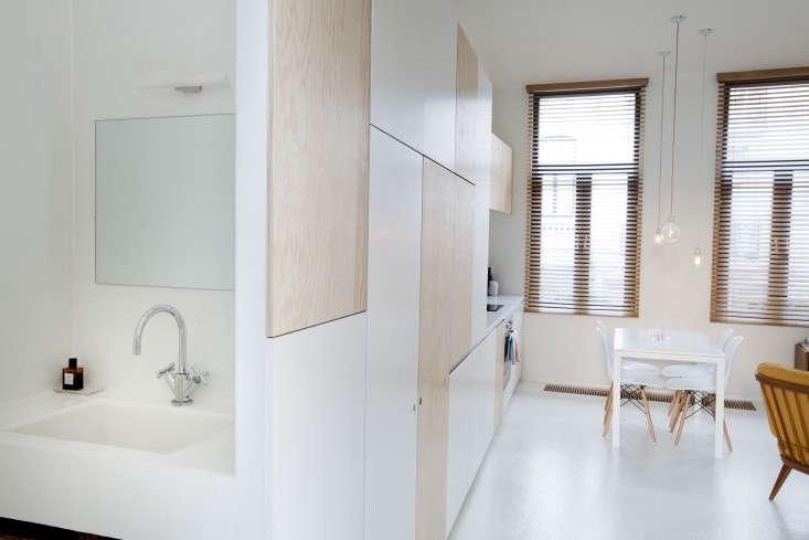 Provincie-apartment-Antwerp-Komaan!-Architects-Lisa-Van-Damme-photographer-Remodelista-7