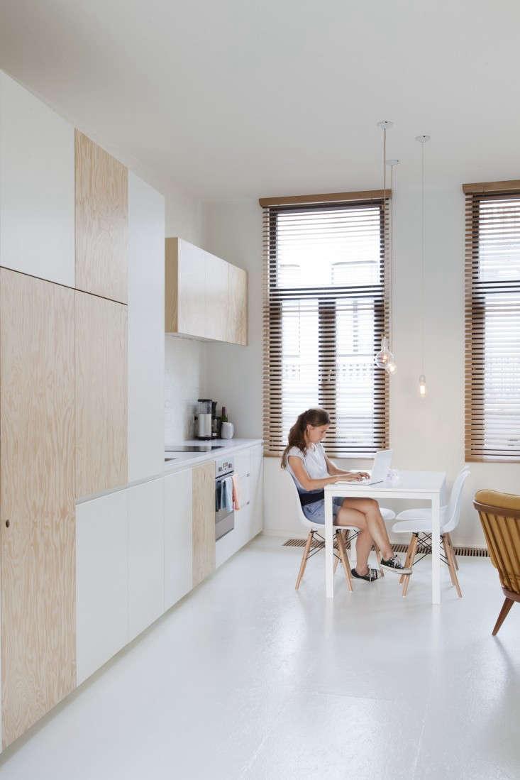 Provincie-apartment-Antwerp-Komaan!-Architects-Lisa-Van-Damme-photographer-Remodelista-8