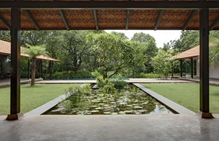 RMA-architects-courtyard-pool-gardenista