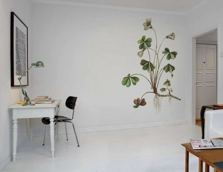 Rebel-Walls-Wallpaper-Botanica-Oxalis-02-Remodelista